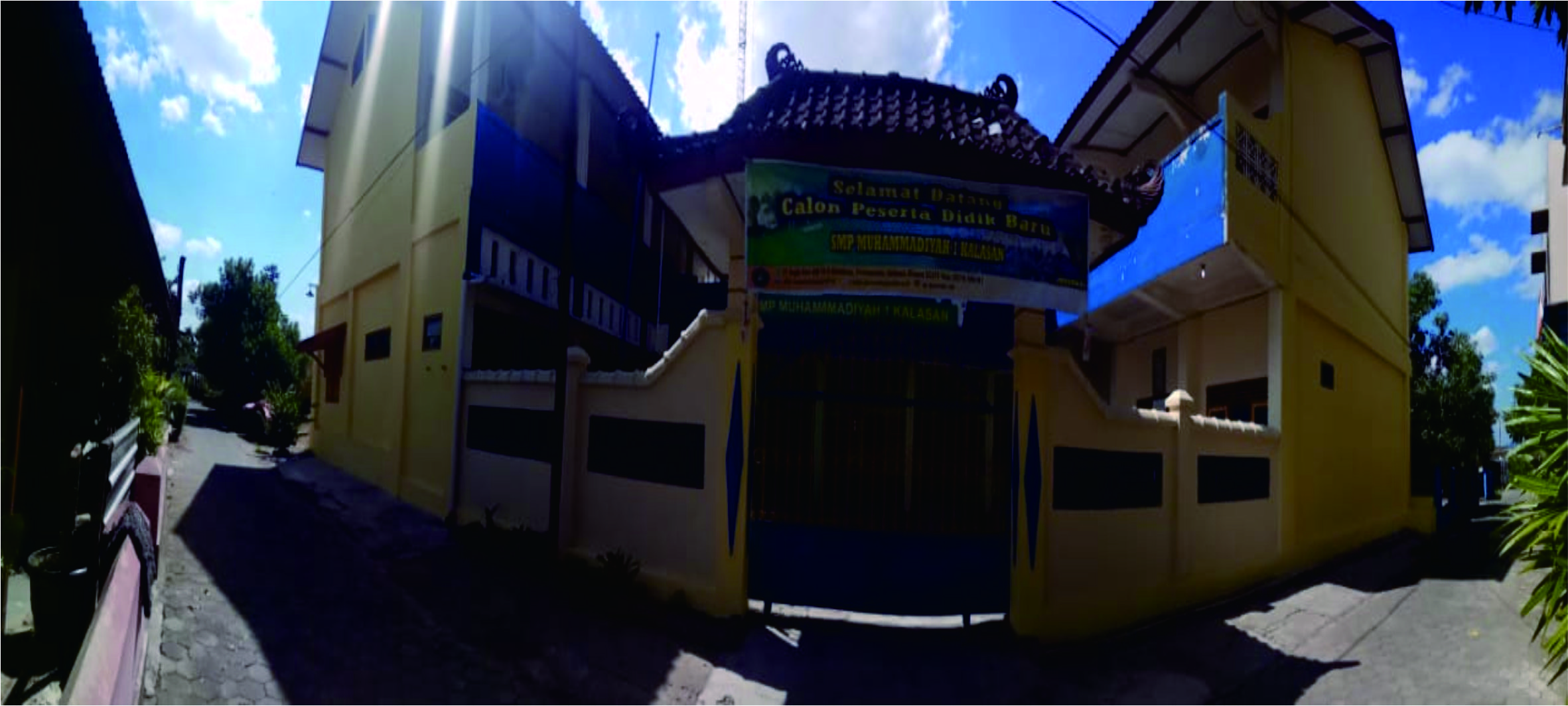 Foto sekolah dr depan gerbang edit